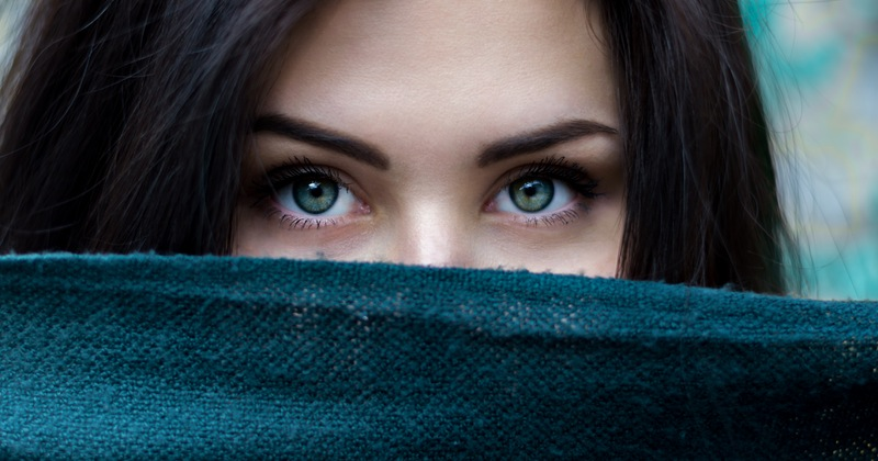 Woman's eyes showing how EMDR can help with pain
